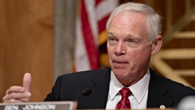 Photo of Congress man, Sen. Ron Johnson barred from Russia.