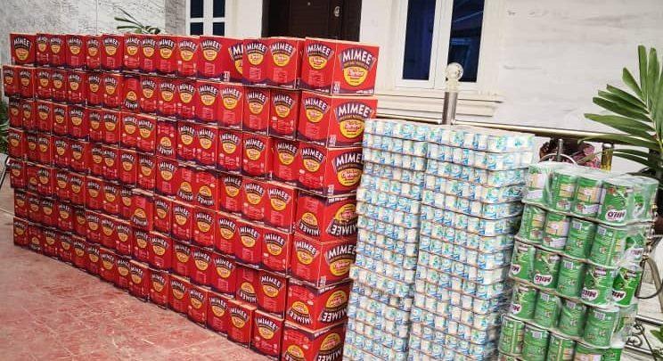 Hon. Olotu Emmanuel gift noodles, provisions for ramadan during coronavirus pandemic