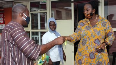 Photo of COVID-19: Council Chairman goes all out, distributes thousands of nose masks on the street