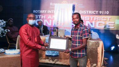 Photo of Global Development Analyst Honoured by Rotary Cclub of Ikeja South
