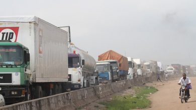 Photo of Nigeria Government orders trucks, trailers packed on expressway off the roads