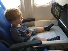 travel hacks for moms travelling with a toddler